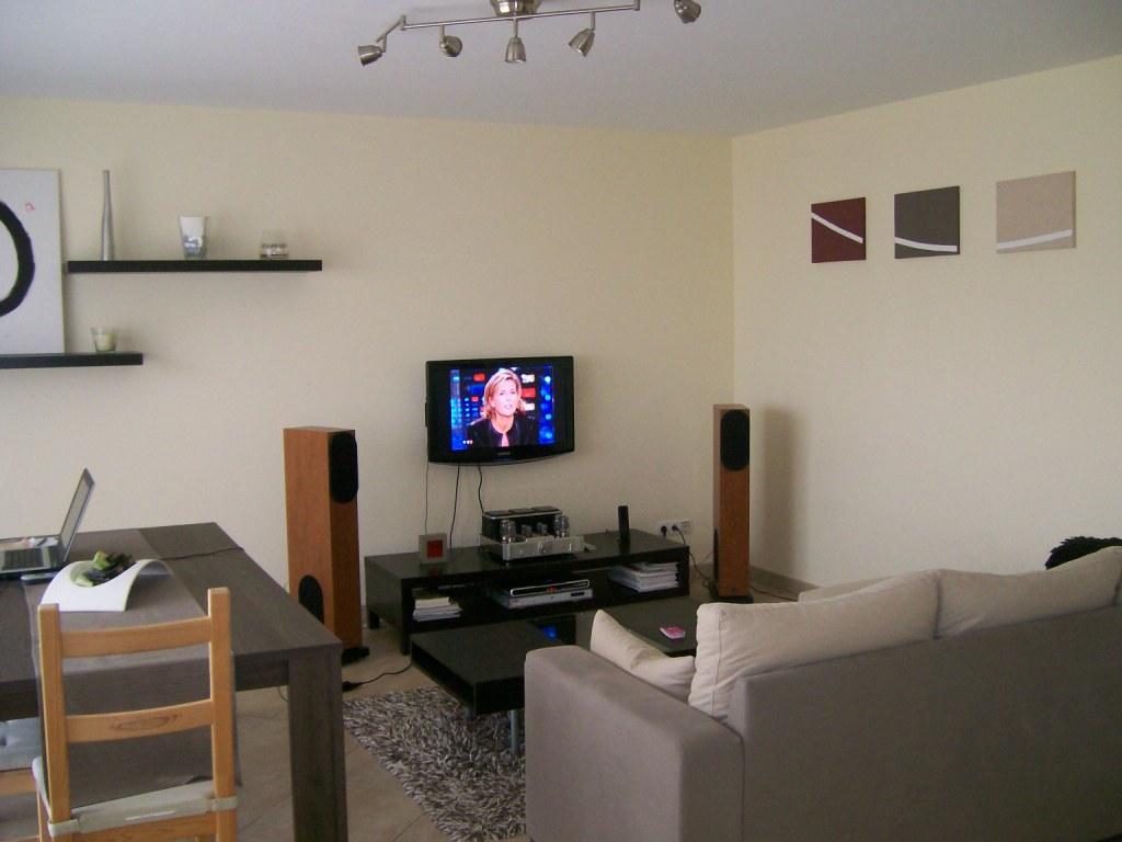 Installation lcd au mur caisson pour cacher les fils fini 29896051 su - Comment cacher fils tv ...