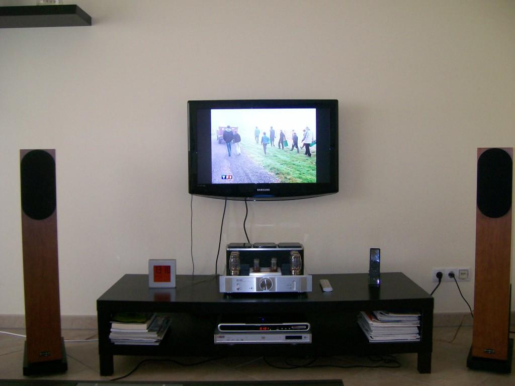 Installation Lcd Au Mur Caisson Pour Cacher Les Fils Fini  # Comment Cacher Les Cables Tv
